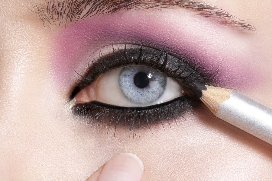 Types of eyeliners and how to  apply them